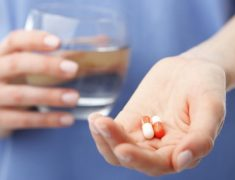 Automédication : les règles à respecter pour le recours aux pharmacies en ligne
