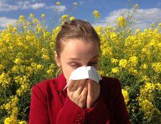 Comment apaiser une réaction allergique au visage ?